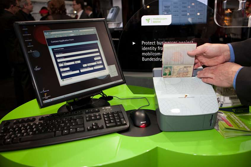 Security at POS: mobilcom-debitel's document verification device in action