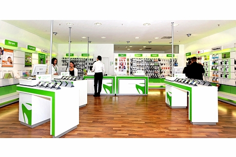 mobilcom-debitel shops will soon sell products from the GRAVIS range
