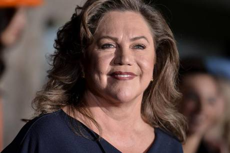 "Kathleen Turner strahlt auf der Premiere von ""Dumb And Dumber To"" in los Angeles"