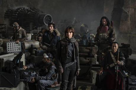 "Die Darsteller von ""Rogue One"": Riz Ahmed, Diego Luna, Felicity Jones, Jiang Wen und Donnie Yen (v.l.n.r.)"