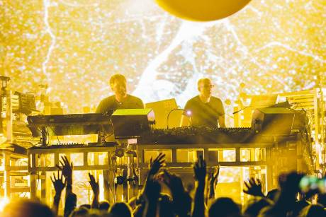 Die Chemical Brothers am Donnerstag im Londoner Roundhouse