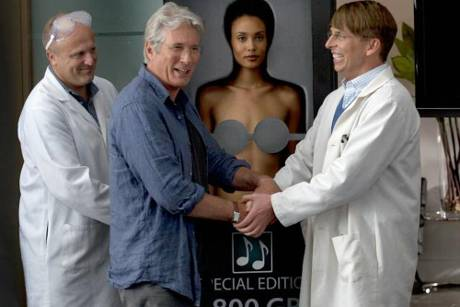 "Richard Gere (2.v.l.) in dem All-Star-Cast-Film ""Movie 43"""
