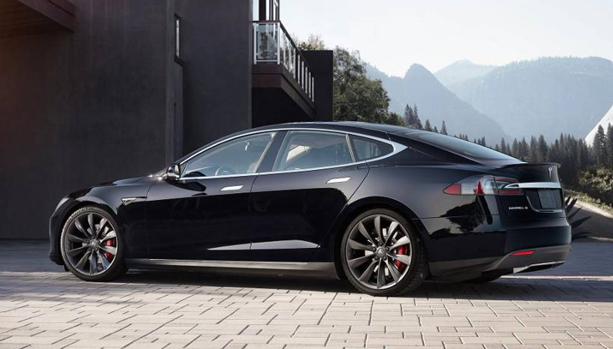 tesla model s datenblatt reichweite preis ladezeiten. Black Bedroom Furniture Sets. Home Design Ideas