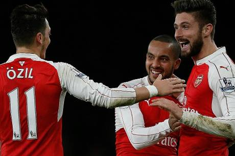 Özil und Mertesacker holen mit Arsenal Big Point gegen Manchester City