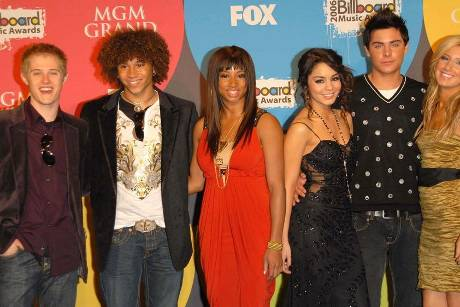 "Die erste Generation der ""Wildcats"" mit Ashley Tisdale (v.re.), Zac Efron, Vanessa Hudgens, Monique Coleman, Corbin Bleu und..."