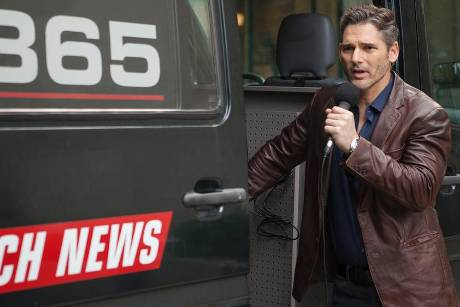 Eric Bana als Journalist Frank Bonneville in New York