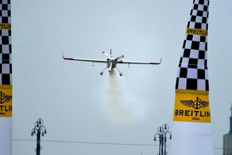Red Bull Air Race: Dolderer will dritten Saisonsieg in Ascot