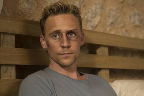 "Tom Hiddleston muss als Jonathan Pine in ""The Night Manager"" ein blaues Auge in Kauf nehmen"