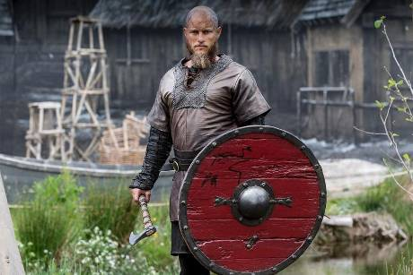 "Travis Fimmel spielt in ""Vikings"" Ragnar Lothbrok"