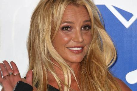 """Hallo? Ich lebe noch!"" - Britney Spears quietschfidel bei den MTV Video Music Awards 2016"