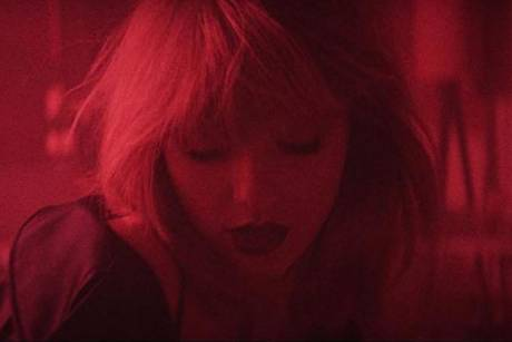 "Taylor Swift im Clip zu ""I Don't Wanna Live Forever"""
