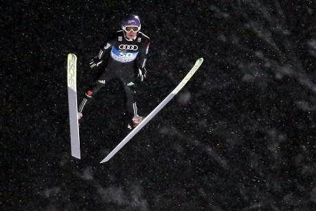 Skispringen: Wellinger gewinnt Qualifikation in Willingen