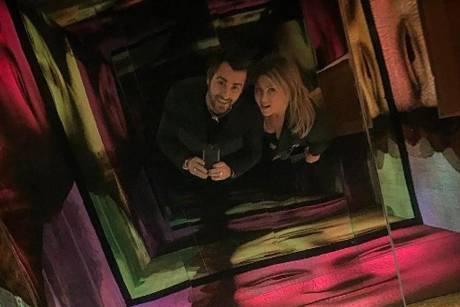 Jennifer Aniston und Justin Theroux im Louvre in Paris