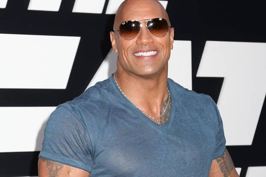 Dwayne Johnson Spendiert Seinem Stier Tattoo Ein Update