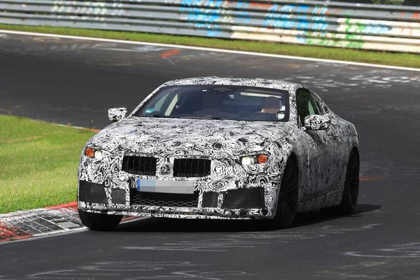 Neues BMW M8 Coupe 2018 G15