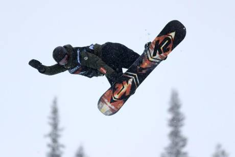 Halfpipe-Weltcup: Snowboarder Höpfl schafft Olympia-Norm
