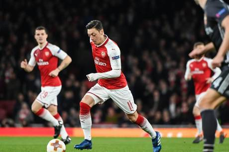 Özil nimmt mit Arsenal Titel in der Europa League ins Visier