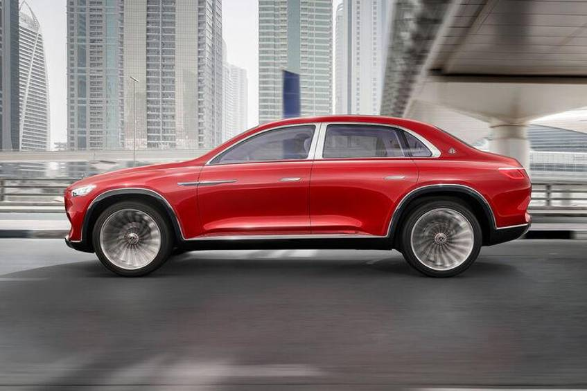 "Ein entsprechendes Concept Car hat Mercedes bereits 2018 in Form des ""Vision Mercedes-Maybach Ultimate Luxury"", allerdings in der High-End-Klasse mit über 5 Meter Länge."