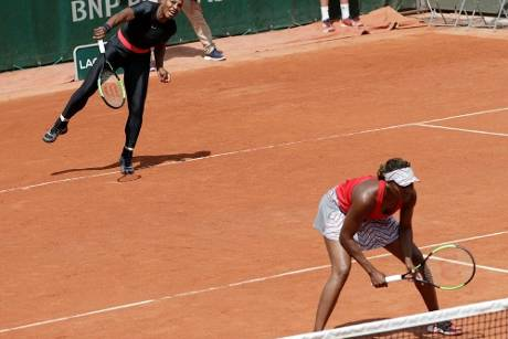 French Open: Williams-Schwestern im Doppel weiter