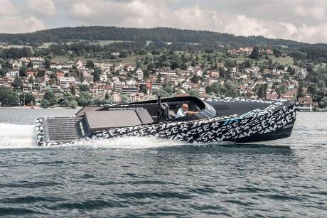 SAY29E Runabout Carbon Elektro-Yacht Kreisel Electric