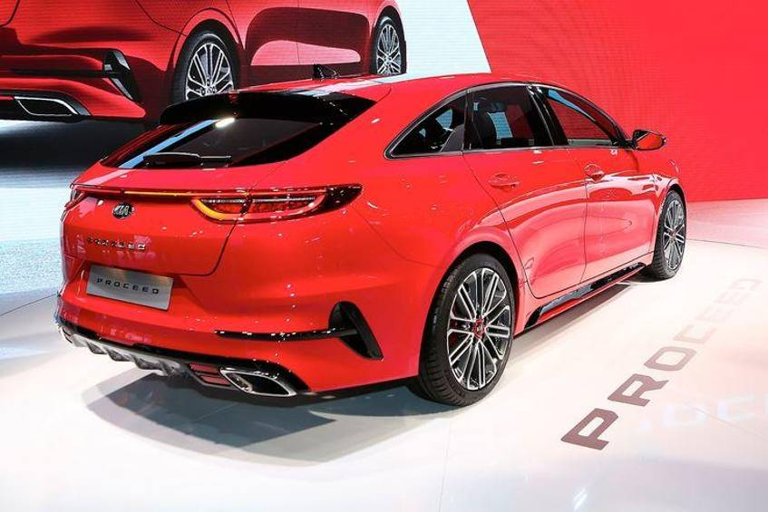 kia proceed gt 2019 im test technische daten kofferraum. Black Bedroom Furniture Sets. Home Design Ideas