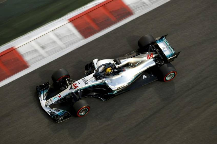 Hamilton holt Pole Position in Abu Dhabi