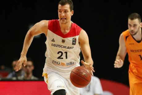 Basketball-Nationalspieler Zipser unterschreibt in Spanien