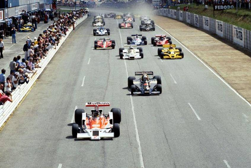 Start - James Hunt - McLaren M26 - GP Südafrika 1978 - Kyalami