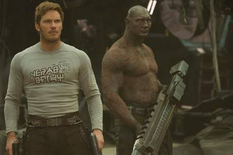 "Dave Bautista (r.) als Drax und Chris Pratt als Star-Lord in ""Guardians of the Galaxy Vol. 2"""
