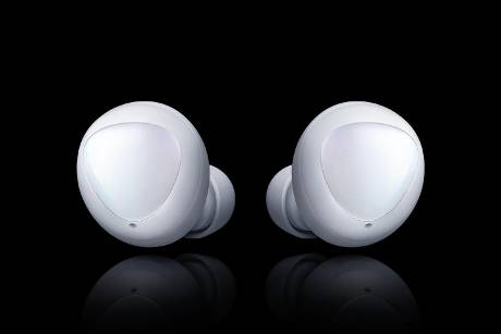 Galaxy Buds vs. Apple AirPods
