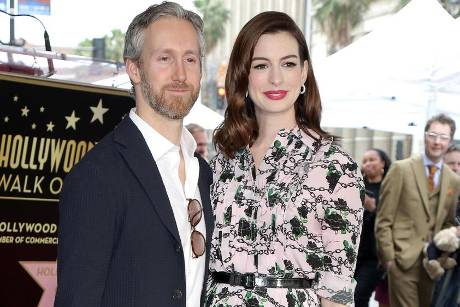 Adam Shulman und Anne Hathaway in Los Angeles