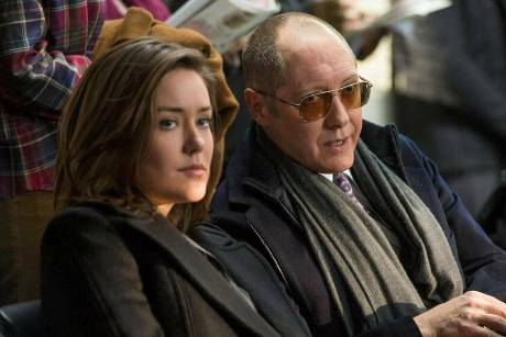 "Megan Boone und James Spader in ""The Blacklist"""