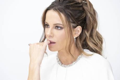 Kate Beckinsale: Bikini-Cover-Model mit 46 Jahren