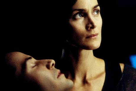 "Keanu Reeves und Carrie-Anne Moss in ""Matrix Reloaded"" (2003)"