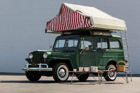 Willy's Jeep Station Wagon Camper (1948)