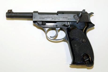 Pistole Walther P1